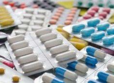 Врач и телеведущий Александр Мясников перечислил лекарства для защиты от COVID-19
