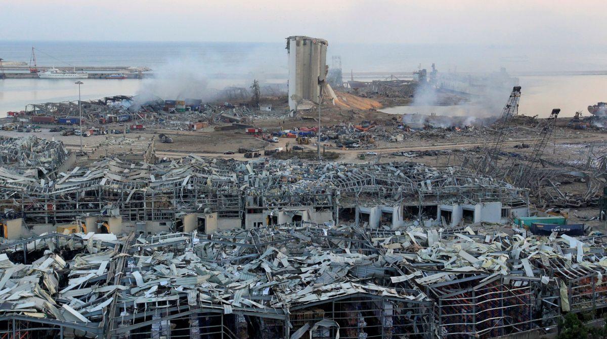 Гавань Бейрута через неделю после мощного взрыва