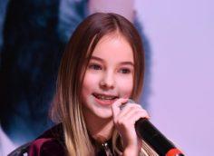 Видео выступления Данэлии Тулешовой в третьем туре американского шоу