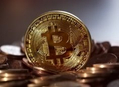 Bitfinex предложила вознаграждение $400 млн.