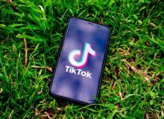 Microsoft может купить TikTok за $30 млрд