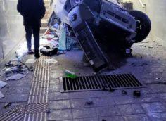 В Алматы внедорожник Pajero влетел в подземный переход