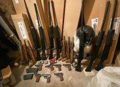 Крупный арсенал оружия и боеприпасов изъяли в Алматы