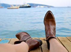 Как правильно подобрать размер обуви при заказе через интернет-магазин?