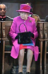 Королева Елизавета ищет себе Instagram-менеджера на зарплату 27 тыс. фунтов стерлингов в год