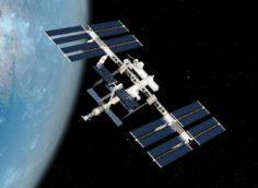 Первые космические туристы могут отправиться на МКС