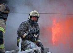 Пожар произошел на рынке «Кенжехан» в Алматы