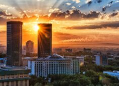 Бекшин внес изменения в постановление о карантине в Алматы