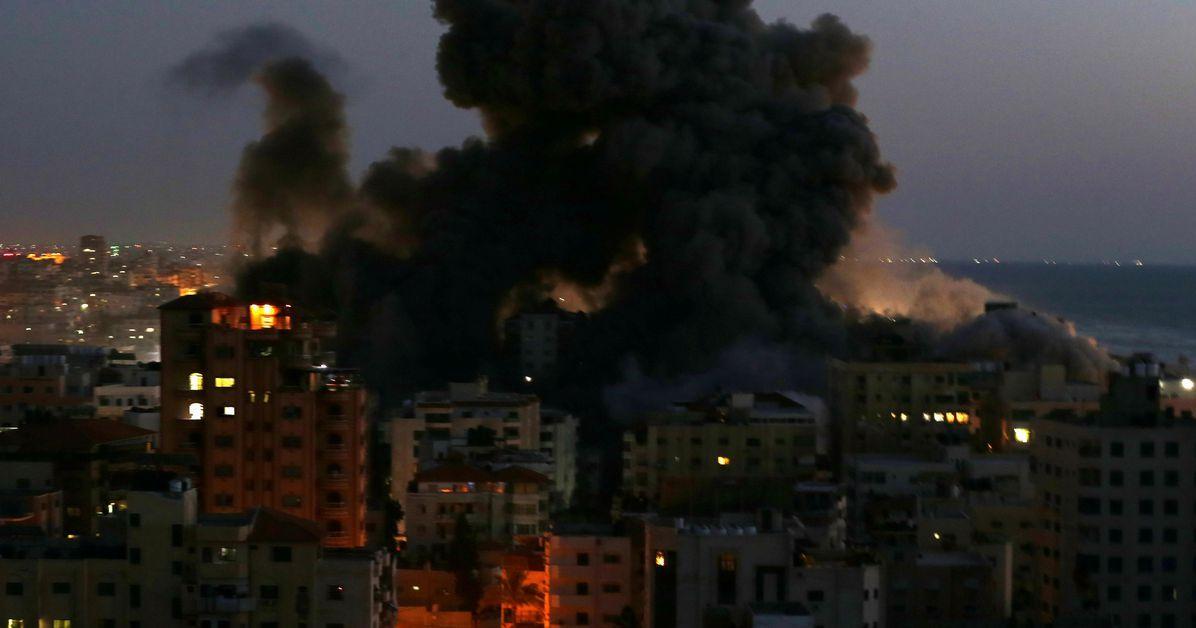 ХАМАС заявило, что выпустило 130 ракет по Тель-Авиву