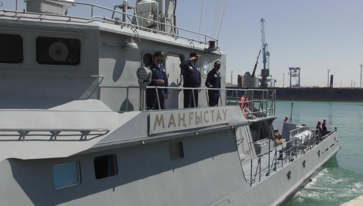 Учение флотилий Казахстана и России проходит на Каспийском море