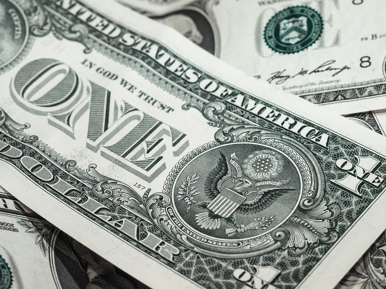 Американцы напечатали триллионы долларов