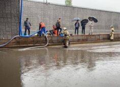 В Алматы произошли подтопления, работают коммунальные службы