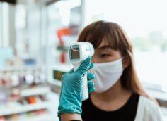 Во второй год пандемии COVID-19 может убить больше людей:глава ВОЗ