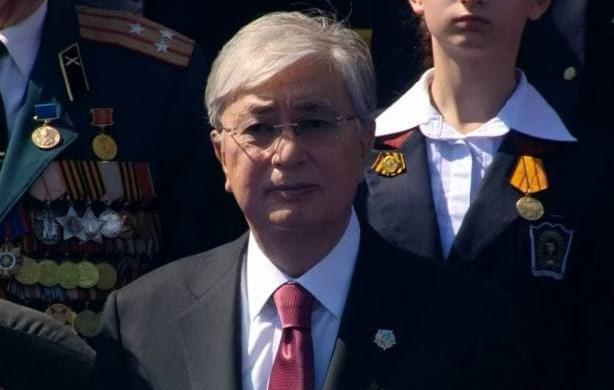 Токаев сердечно поздравляет казахстанцев с Днем Великой Победы!
