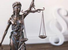 Директор алматинского морга осужден к 8 годам лишения свободы