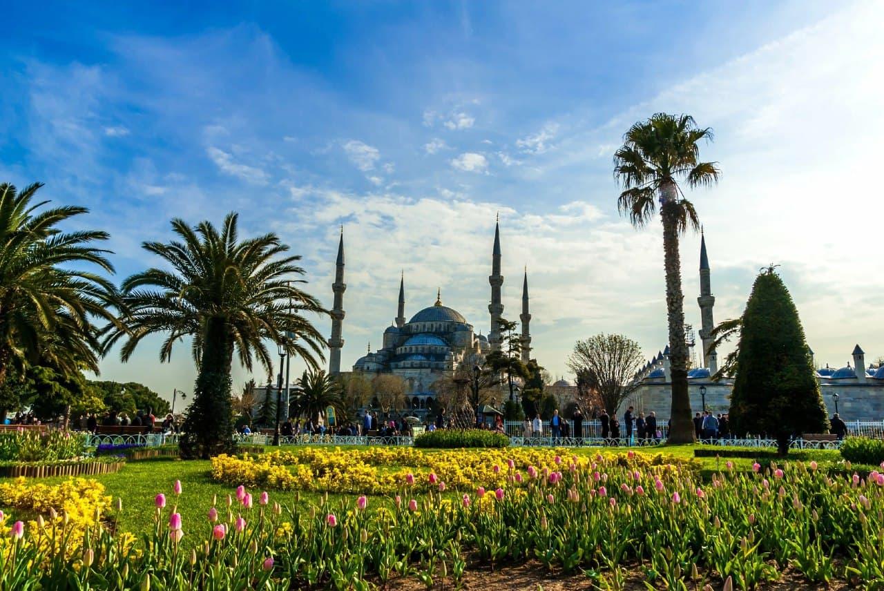Правила въезда в Турцию упростили для граждан Казахстана