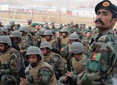 Свыше тысячи афганских военных пересекли границу Таджикистана