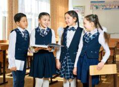 Все школьники в Казахстане вернутся за парты 1 сентября