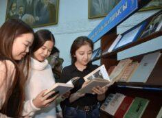 В Казахстане можно пожаловаться на проблемы в школах и вузах