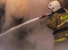По 20 миллионов тенге получат семьи пожарных, погибших при взрывах близ Тараза