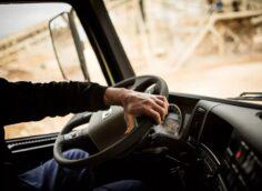 Правила сдачи экзаменов на получение водительских прав изменятся в Казахстане